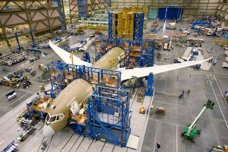 ボーイング最新機787 同機は、トラブル続きで現在も初飛行が実現していません
