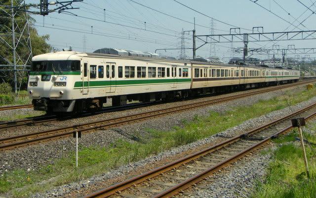 117系福知山線色+国鉄色