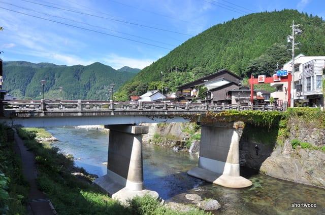 宮ヶ瀬橋/吉田川(岐阜県郡上市) - かどの煙草屋までの旅