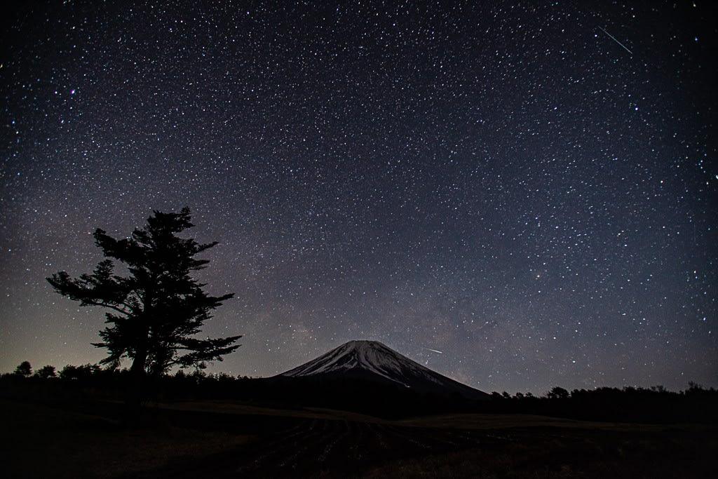 富士と天の川の写真