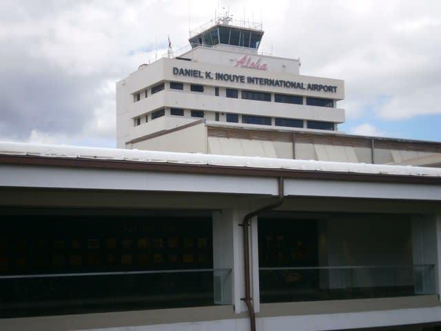 ダニエル k イノウエ 国際 空港