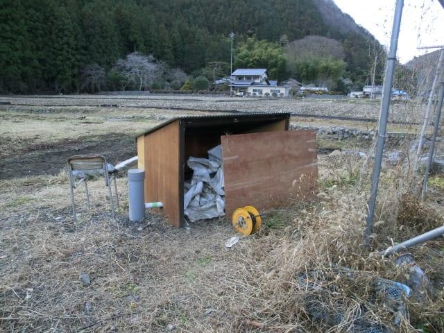 ポンプ小屋完成間近