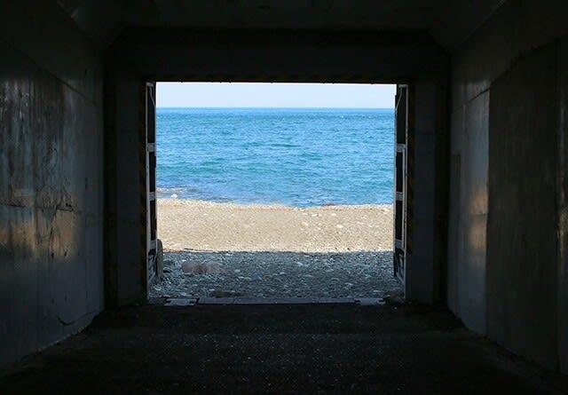 海へと続くトンネル 小田原