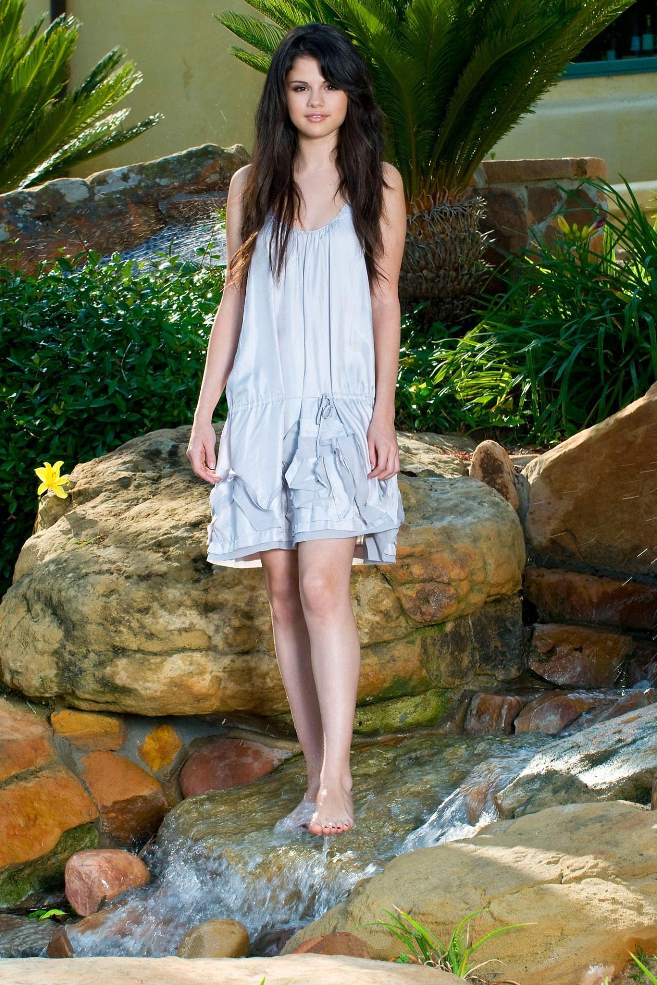 Selena Gomez - Dkny Beach House Photo Shoot 1 -6311