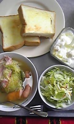 白菜とベーコンのミルフィーユ包みスープ(コンソメ味)