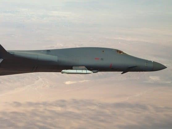 B1Bランサー,爆撃機,新型ミサイルテスト,B1爆撃機,極超音速ミサイル,JASSM,F14,VG翼,可変後退翼,米空軍,航空機,パイロット,乗り物,,乗り物のニュース,フリート,グランド,Fleet,万能論,