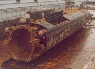 原子力潜水艦「クルスク」の事故...