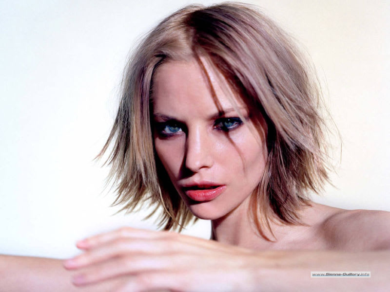 Sienna_guillory1
