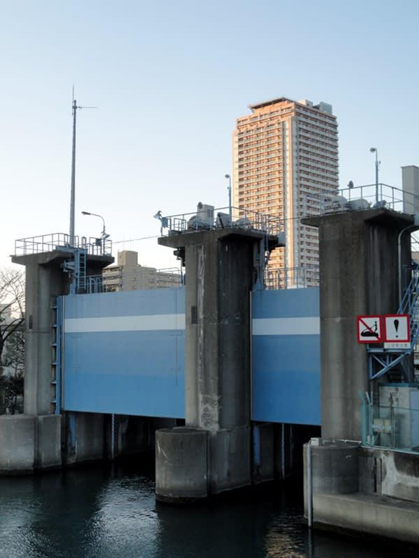 12月31日 深川の閘門