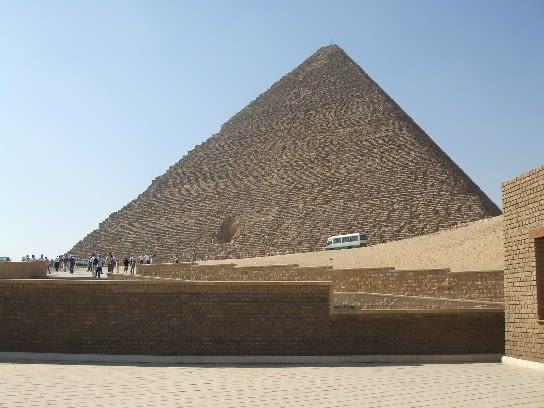 ギザの3大ピラミッド (エジプト)...