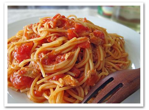 缶詰だけで~トマトとツナのパスタ