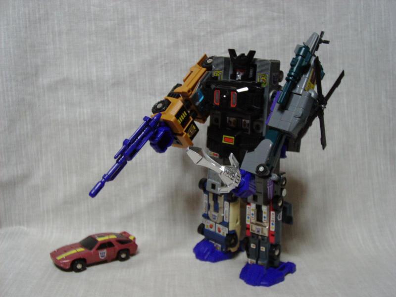 スクランブル合体ロボ
