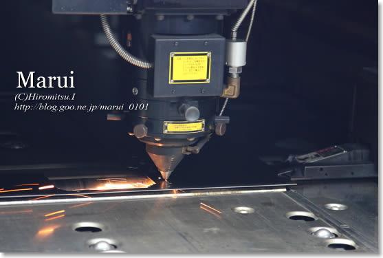 精密板金 丸井工業 レーザー加工機
