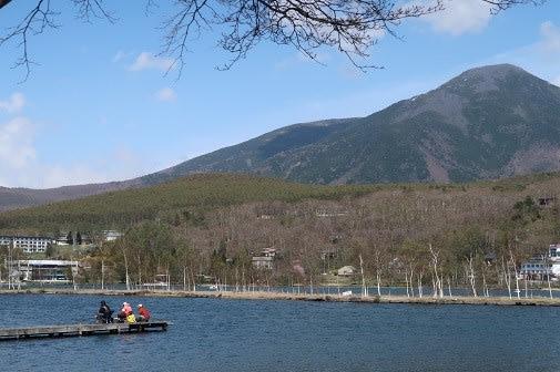 長野県 白樺湖の周りを歩こう あんみつとシナモン