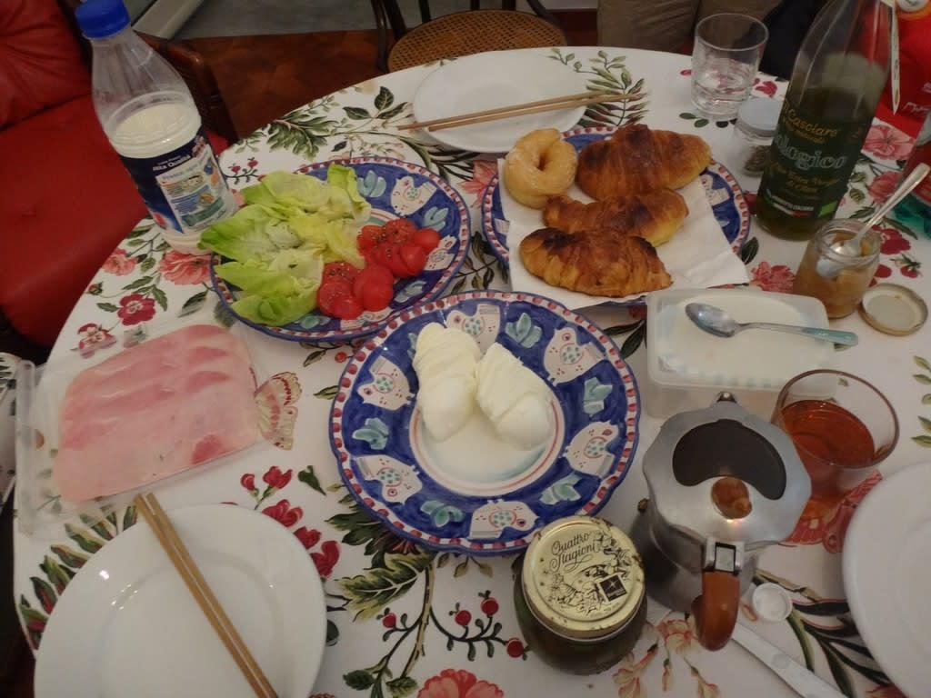 トッレ・デル・グレコの民泊にて自炊夕食