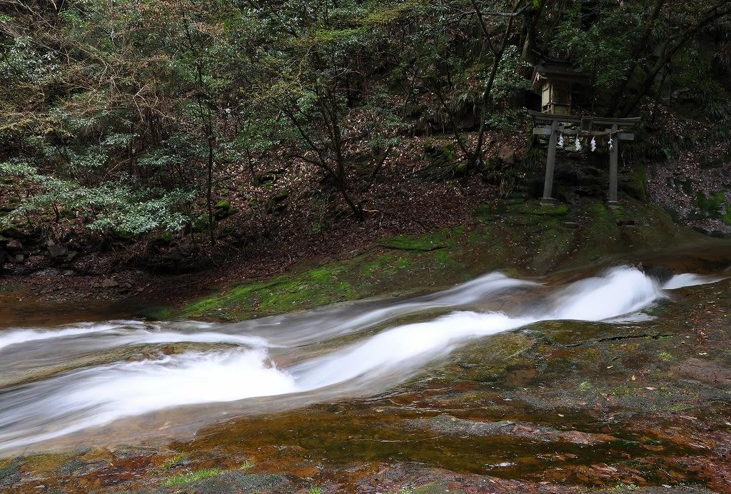 竜鎮滝 - 奈良の名所・古跡