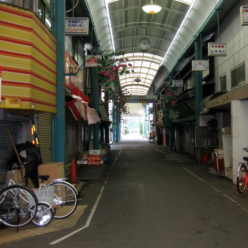 Deserted_mall_in_my_neighborhood