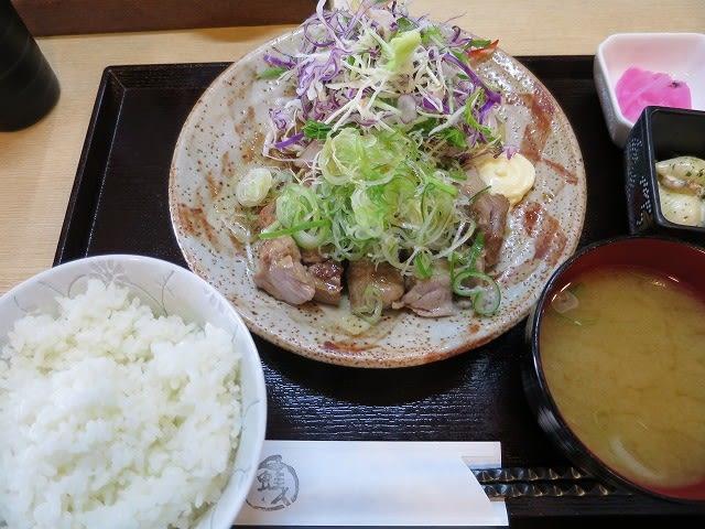 肩ロースステーキネギ塩ゴマダレ定食