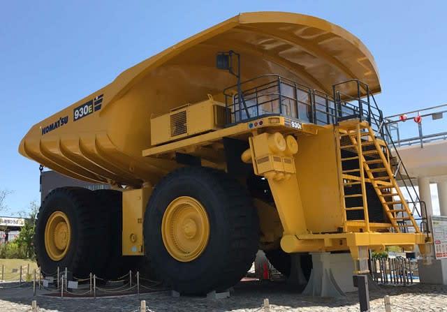こまつの杜の世界最大級大型ダンプトラック930E