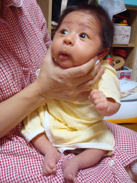 赤ちゃん 1 ヶ月 写真