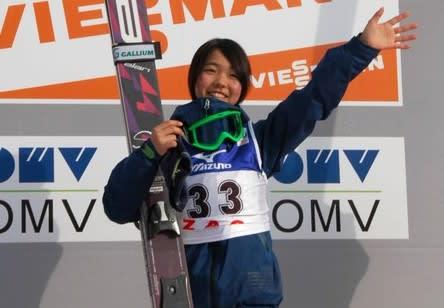 スキージャンプ女子W杯> 高梨沙...
