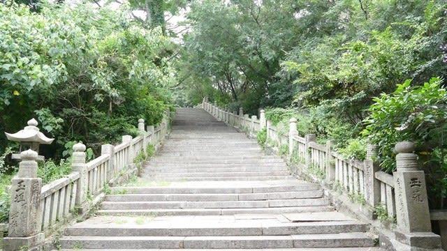 琴弾八幡宮の階段
