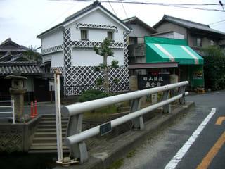 宮西川に架かる板倉大橋
