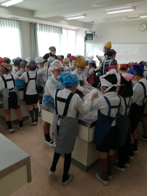 泉大津市立戎小学校で白みそ教室...