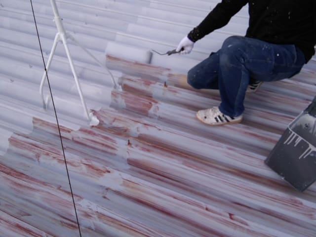 屋根リフォーム中の写真