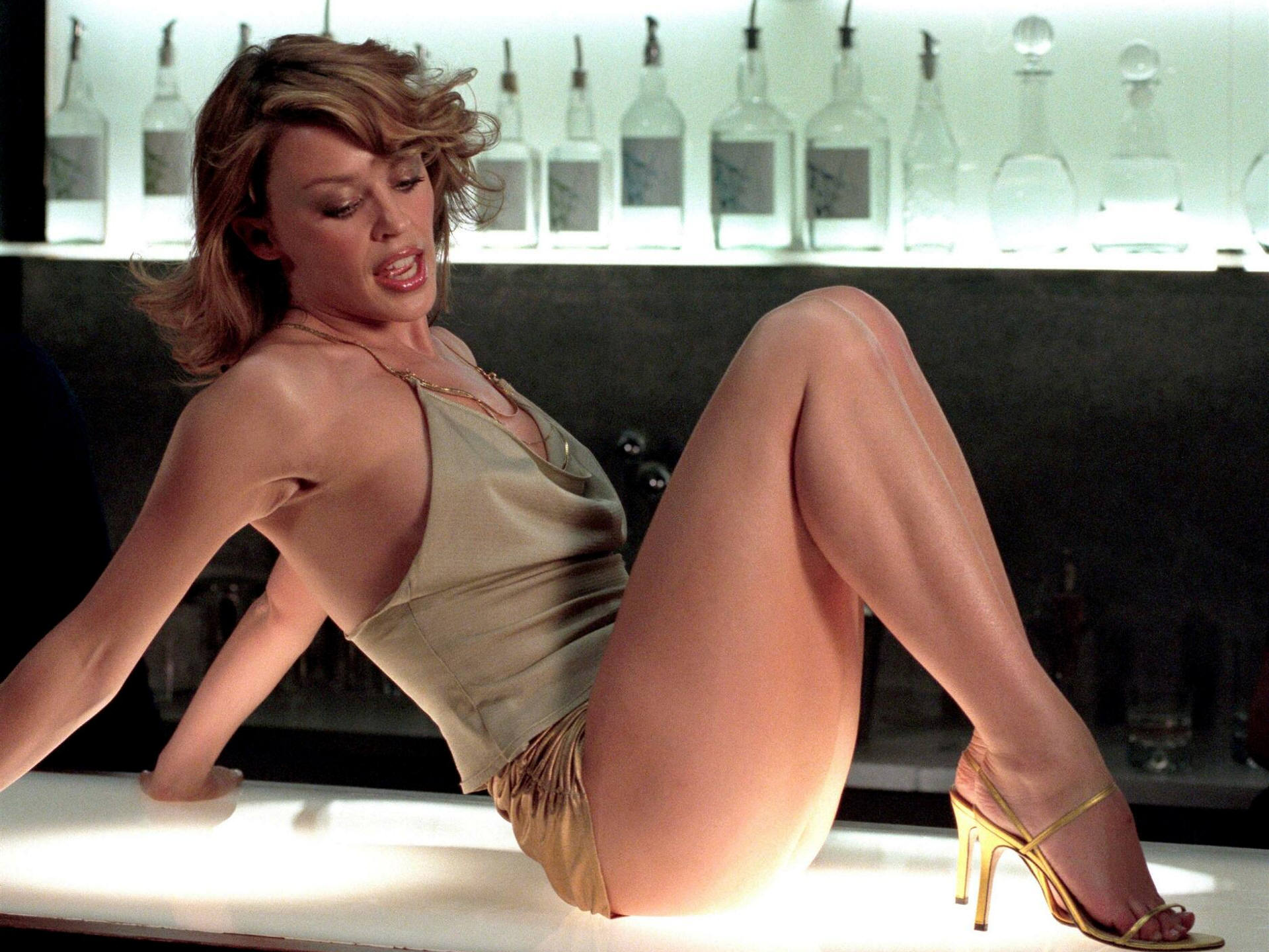 Kylie Minogue - Spinning Around - Hekkys Goo Blog-5576