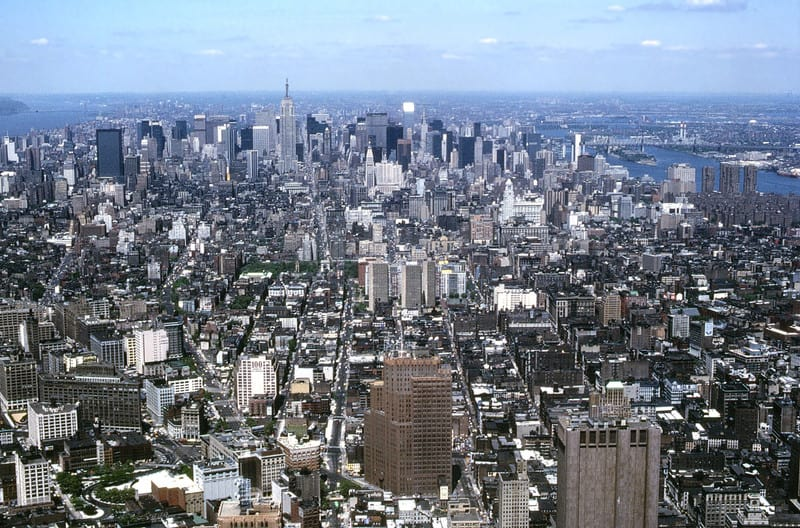 10_1985_view_of_manhattan_from_twin