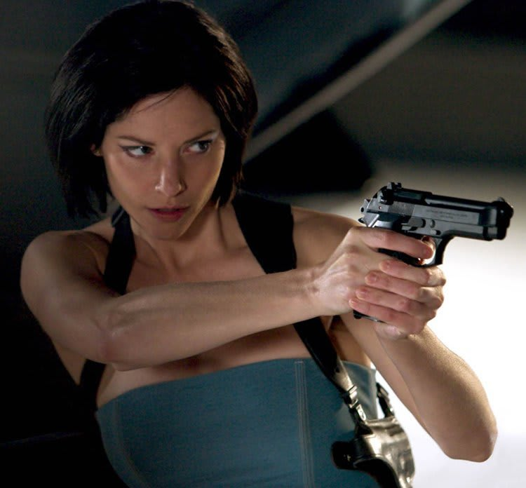 Sienna_guillory4