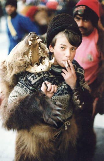 Roma_boy_in_bear_costume_sm