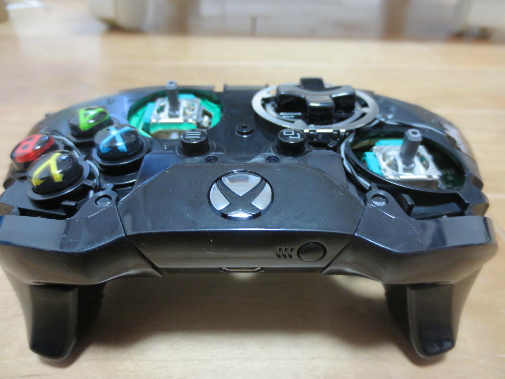 Xbox OneコントローラーとXbox360 ...