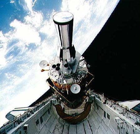 軍事衛星 - 太った中年