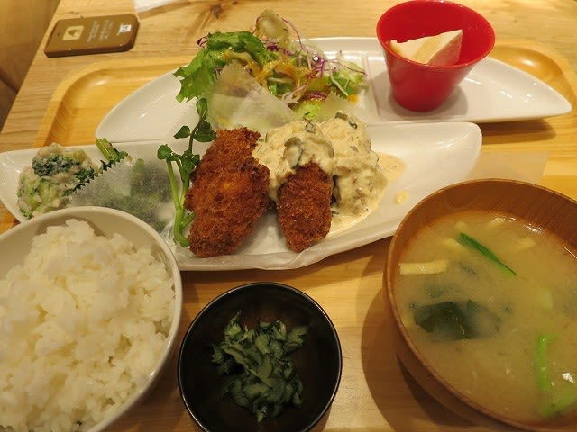 広島県産カキフライ柚子タルタル定食