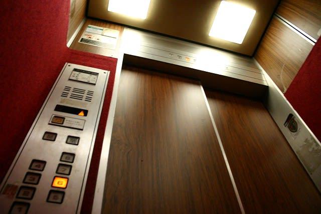 2006/06/09--今日の体調と独り言「魔のエレベーター・シンドラー ...