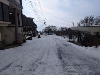 スキー場の通路。歩くのが大変。