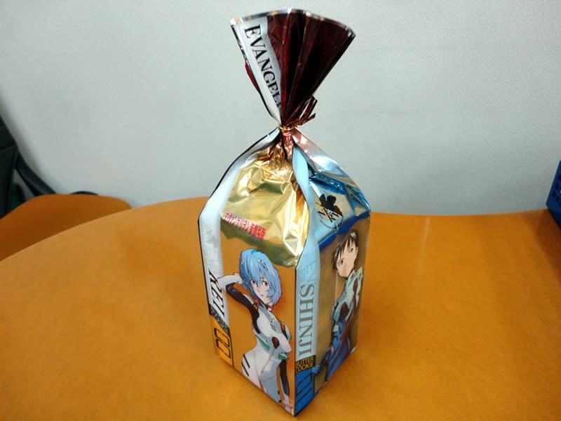 06月20日 ヱヴァンゲリヲン缶パッチ入りプチクッキー