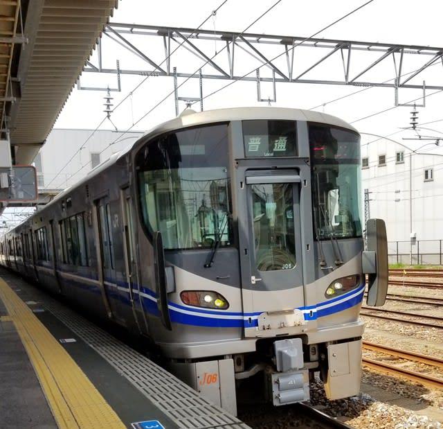 JR西日本521系電車