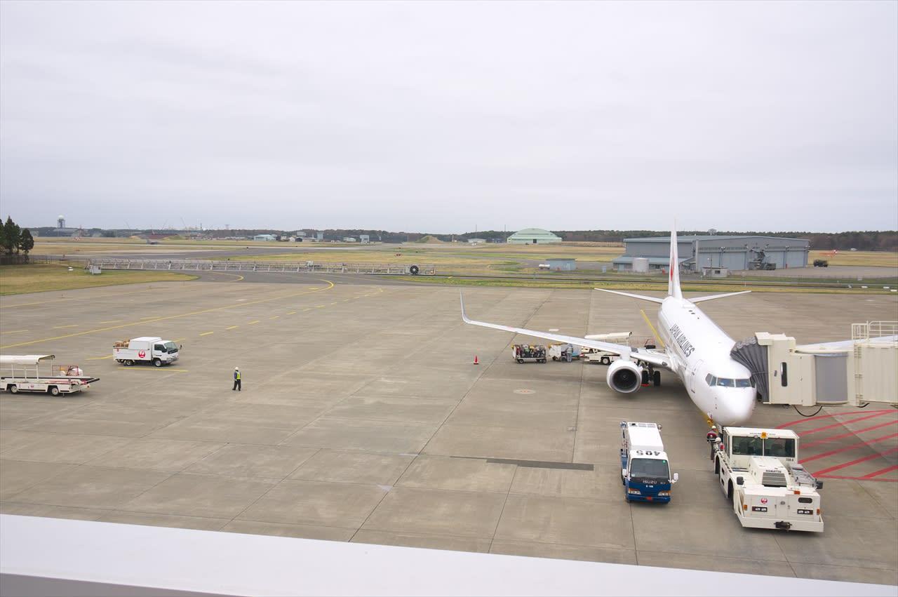2016年04月28日:三沢空港(ここは米軍基地?) - 飛行機さつえい奮闘記