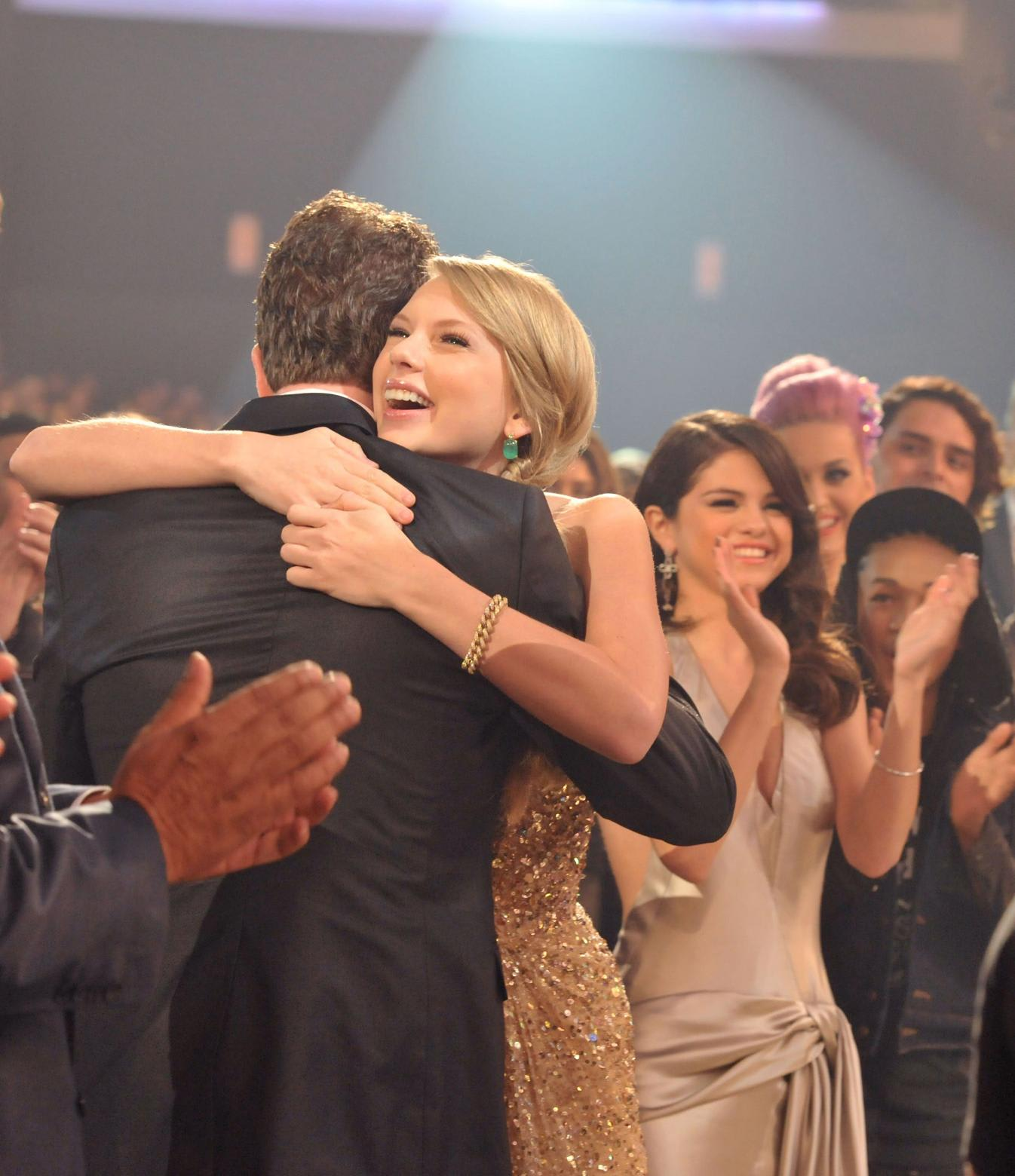 To Da Loos November 2011: 2011 American Music Awards 20 Nov 2011 (2