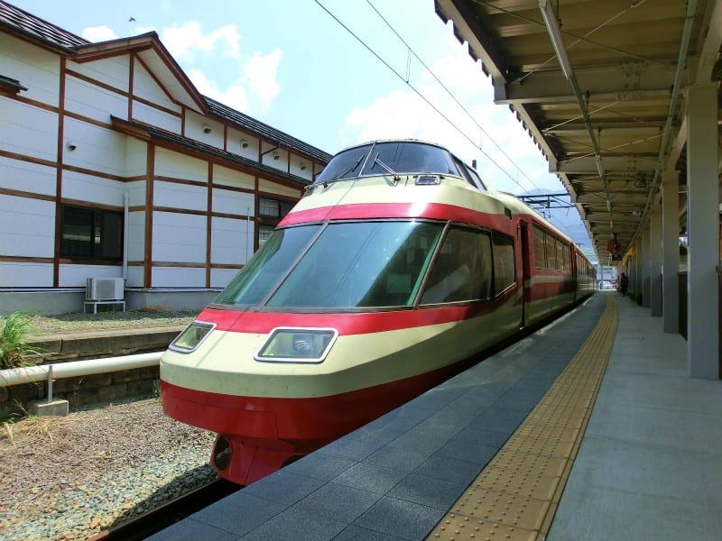 夏休みの想い出2013 その10・長野電鉄ロマンスカー特急「ゆけむり」号の車窓から