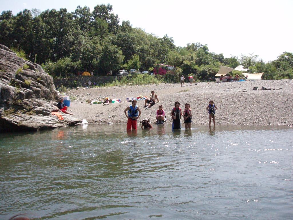 川遊びの人達