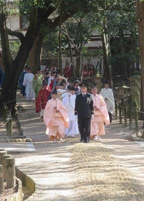 奈良 春日大社 おん祭より神秘的な祭が3/13に_春日祭 - 美の五色 ...