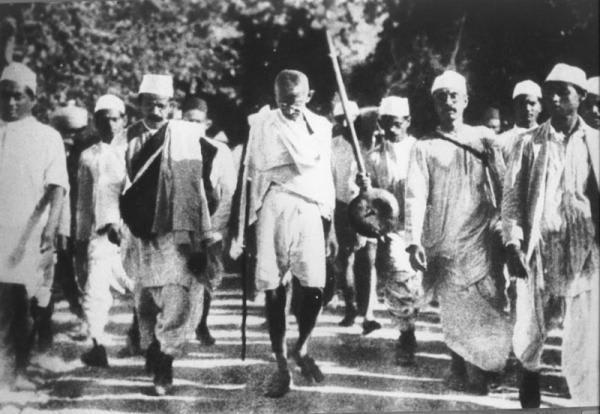 1929年 〈国民会議ラホール大会、プールナ=スワラージを決議 ...