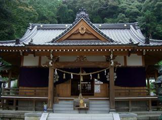 横山にある白山比(しらやまひめ)神社
