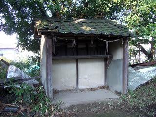 蔀稲荷山神社境内にある祠