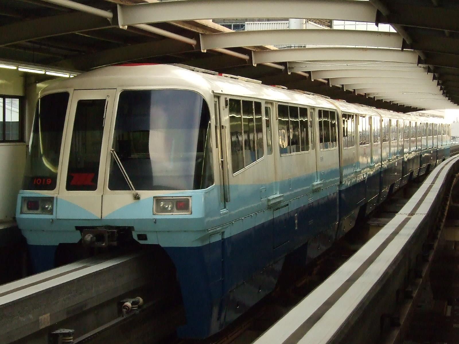 東京モノレール 1000形電車(開業時カラー) - 水の丘交通公園