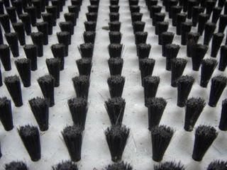 精密板金 丸井工業 取付けたブラシ